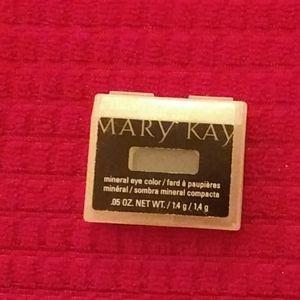 Mary Kay Brilliant Black Eyeshadow